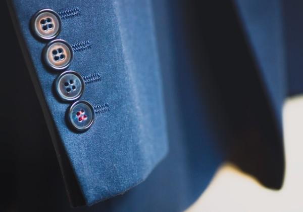 転職 clothes-blue-button-suit-85873