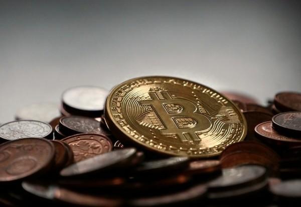 仮想通貨 ビットコイン bitcoin-2007912_640