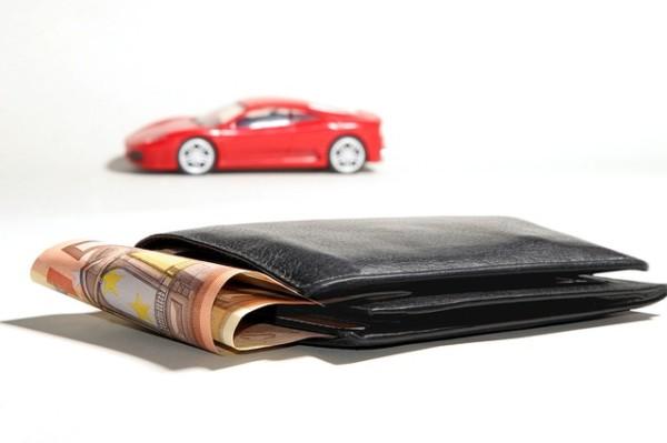 お金 カーシェアリングauto-financing-2157347_640