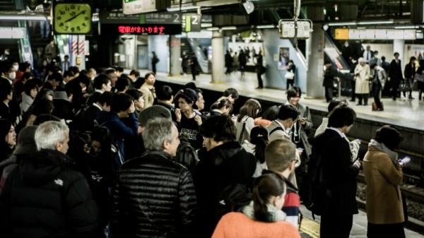 通勤時間 満員電車redd-angelo-85070-unsplash